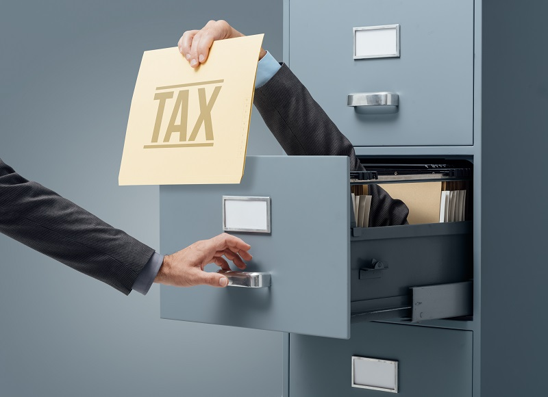 U.S. Expats Must File a Tax Return